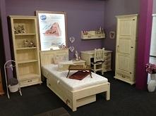 drewniane meble do sypialni w kolorze patyna ecru