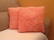 Poduszka ręcznie robiona na szydełku