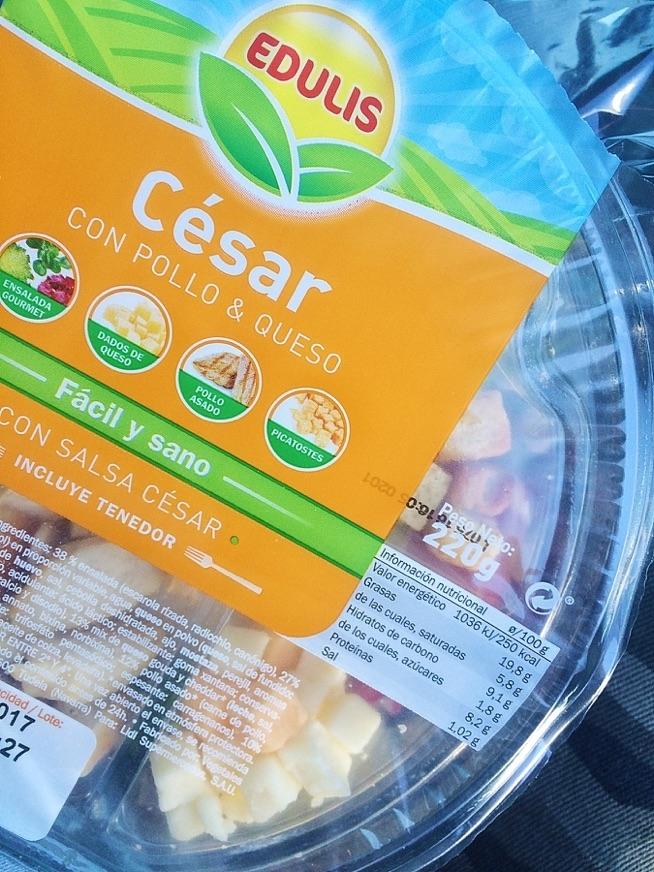 salatka po której głód jest szybki a kaloryczność jak pełen obiad - zwracajcie uwagę :) czasem coś co wydaje się fit to kit :))