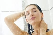Dziewczyny potrzebuję Waszej pomocy. Polećcie mi proszę najlepszy Waszym zdaniem żel/balsam pod prysznic. Jestem w dramacie, ponieważ woda miejska wykańcza moją skórę, a wszystk...