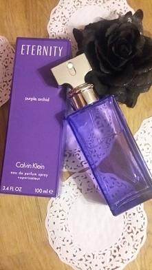 Niesamowita kompozycja świeżego zapachu kwiatowego♡ CALVIN KLEIN ETERNITY purple orchid ♡ Zdecydowanie 5+ ♡ zapach dla każdej kobiety :) długo się utrzymuje :) polecam ♡