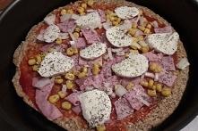Przepis na pyszną, lekką pizzę i sałatkę FIT, które możecie jeść na diecie!  ...