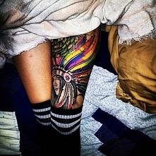 tatuaże damskie indianka na udzie