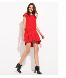 Bardzo dziewczęca sukienka ...