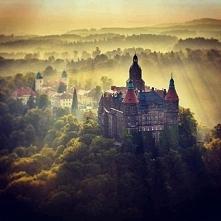 Książ (woj. dolnośląskie)  – zespół rezydencjalny znajdujący się w Wałbrzychu. Znajduje się na Szlaku Zamków Piastowskich. Obejmuje trzeci co do wielkości zamek w Polsce (po zam...
