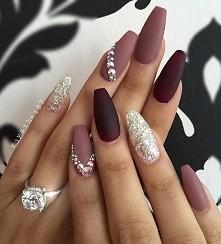 nails bordo mat