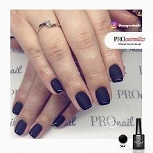 Czarny french manicure czyli paznokcie czarne matowe z błyszczącymi końcówkam...