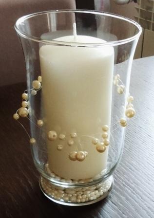 Świecznik:) kilkanaście koralików, kilka minut, jeden pomysł i świecznik gotowy:)