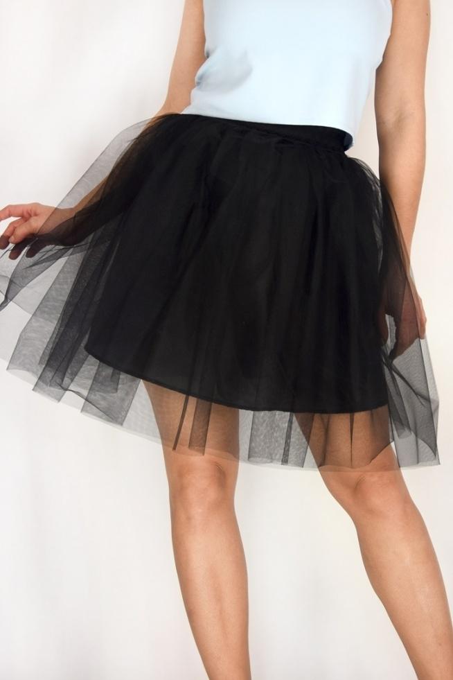Czarna spódnica tiulowa od SOPSI w cenie: 120,00 zł  Zamów już teraz na www. sopsi.com.pl