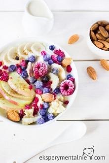 Kasza jaglana na mleku z owocami i migdałami / Milk Millet with Fuits and Alm...