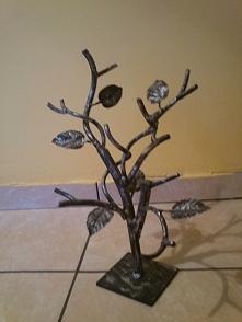 Metalowe drzewko jako wiesz...