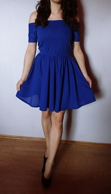 Uszyta sukienka z opadającymi ramionami :) Uszyłam ją z lekkiego i zwiewnego ...