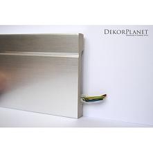 Aluminiowy kolor listwy przypodłogowej LPC-20a Creativa to idealne rozwiązanie do nowoczesnych, loftowych wnętrz. Jej prosta stylistyka nienachalnie podkreśli surowość pomieszcz...