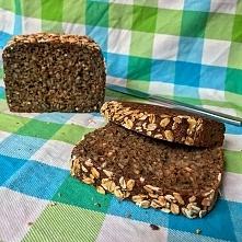 Lubicie chleb? To świetnie, przedstawiam Wam prosty i szybki do wykonania przepis na chleb razowy wieloziarnisty <3 Link po kliknięciu w zdjęcie :)