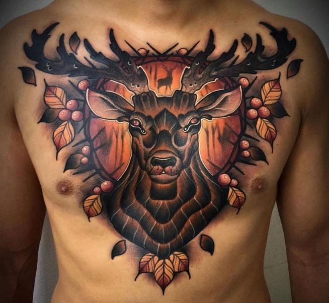 Jeleń Tatuaż Na Klatce Piersiowej Dla Mężczyzny Na Tatuaże