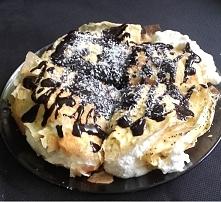 I jeszcze jeden keto deser. Naleśniki, krem z bitej śmietany i kokosa i domow...