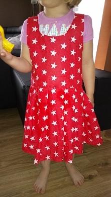 moja pierwsza sukienka:-) chyba nie tak źle wyszło co??