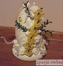 jajko wielkanocne ze sznurka z kwiatkami
