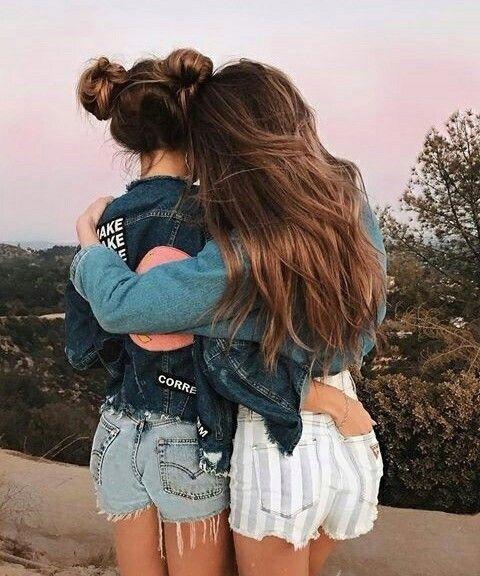 Friends & Fashion
