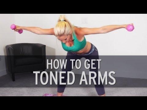 How To Lose Arm Fat Uwielbiam z nią ćwiczyć :) Jeśli chcecie wyszczuplić ramiona , jak najbardziej polecam ten zestaw ćwiczeń. Już po niecałym miesiącu zauważyłam zmiany. :)