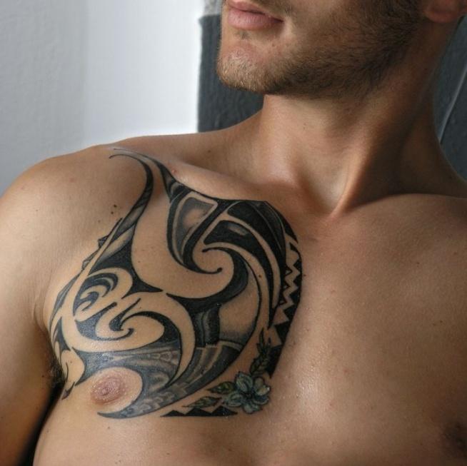 Projekt Tatuażu Na Klatce Piersiowej Na Ciekawe Tatuaże