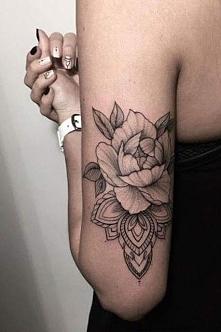 Kobieta# kwiat #tatuaż