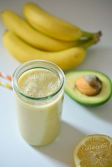 Koktajl z banana i awokado