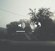 kocham muzykę, bo wtedy słyszę jedynie to co chcę usłyszeć.