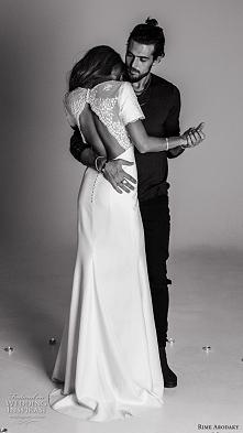 Portal Weselnapolska. Najpiękniejsze suknie ślubne, inspiracje i pomysły.