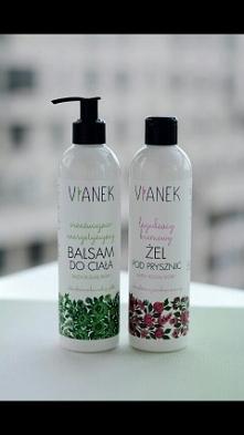 Przez ostatnie tygodnie używałam kosmetyków naturalnych polskiej marki Vianek i muszę przyznać, że rozkochałam się w nich,ale nie była to miłość od pierwszego wejrzenia.Dlacze...