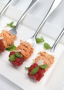 Portal Weselnapolska. Jedzenie, przekąski weselne, inspiracje i pomysły.