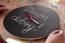 Kolejny zegar skończony! Tym razem pomalowany farbą tablicową - możesz codzie...