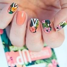 Odwiedź ladnepazurki.pl - poznaj modne inspiracje wzorów na paznokcie.  Odwie...