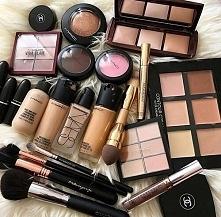 Jak podarować swoim kosmety...
