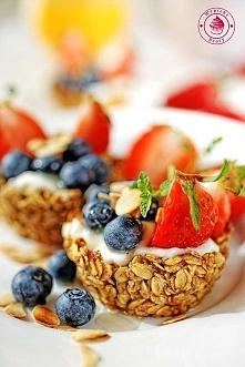 Babeczki musli z jogurtem i owocami - Wypieki Beaty