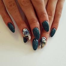 Odwiedź ladnepazurki.pl - poznaj modne inspiracje wzorów na paznokcie.  Odwiedź nas na facebooku   Skomentuj tą inspiracje!