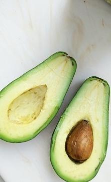 Lubicie awokado? Ja zwykle robię pastę na kanapki i używam zamiast masła :)  Znacie jakieś fajne przepisy z awokado?   *zdjęcie mojego autorstwa