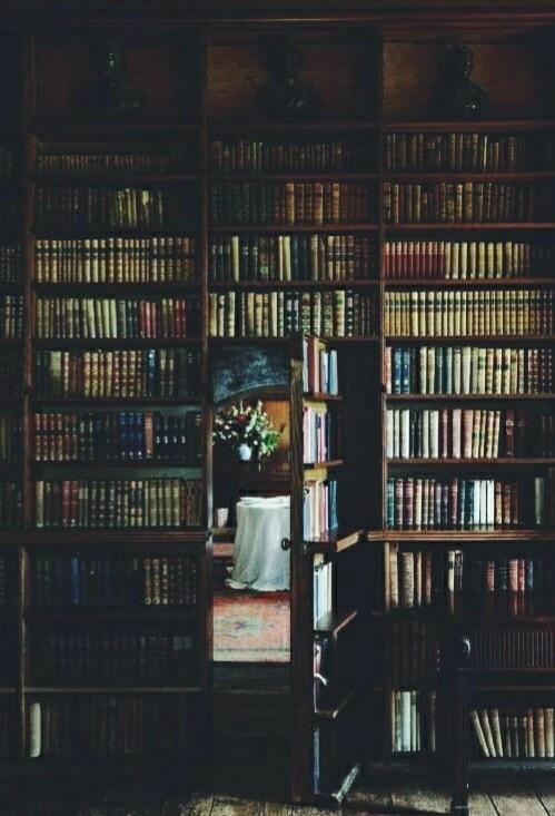 Niedługo wstawię tu książki na sprzedaż. Wyczekujcie :)