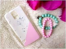 A może różowy marmurek? Etui z wzorami dostępne są na wiele modeli telefonów :)