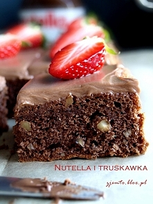 Kostka Nutella i truskawka ...