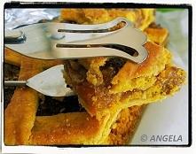Kruchy placek z suszonymi morelami i migdałami (bez cukru i jajek) - po przepis, kliknij na foto