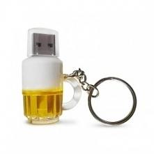 Pendrive Piwosza Kufel Piwa - dla osób uwielbiających piwo - Idealny na prezent dla faceta, męża, brata, ojca. Kliknij w zdjęcie, by przejść do sklepu! SmartGift.pl