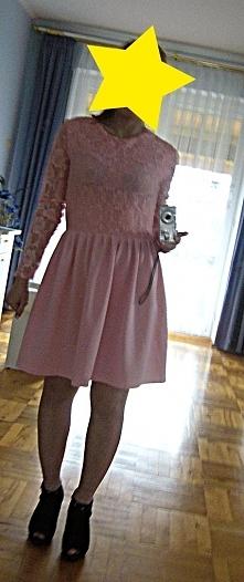 Sprzedam nową piękną pudrową sukienkę. Sprzedaję bo kolor mi nie pasuje. 60 z...
