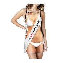 Sexy fartuszek dla niej - idealny prezent dla mamy, siostry, babci, żony. Kliknij w zdjęcie, by przejść do sklepu! SmartGift.pl