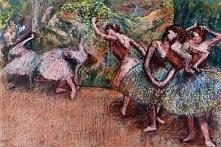 Edgar Degas to jeden z największych malarzy końca XIX wieku. Wiele jego dzieł przedstawia tańczące kobiety, ale malował również sceny rodzajowe, historyczne, sportowe oraz obraz...