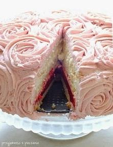tort z musem malinowym
