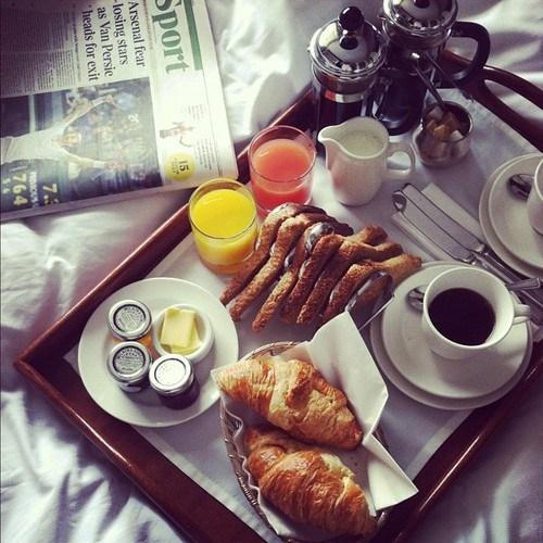 Śniadanie do łóżka :)