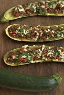 Cukinia z warzywami. Link z przepisem w komentarzu.