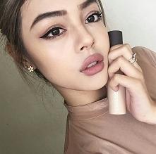 Jak kosmetyki do makijażu w...