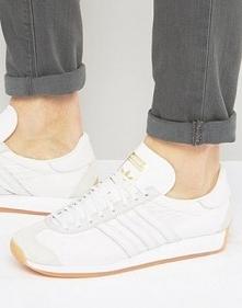 Model Country – po raz pierwszy pojawił się w 1970 roku. Są to trailowe buty ...